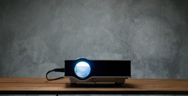 Žarnice za projektorje zagotavljajo nemoteno delovanje