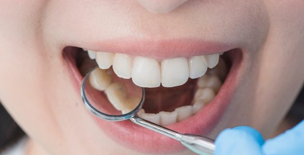 Zobna protetika pri usposobljenem zobnem osebju